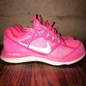 Bright Pink Nike Dual Fusion Sneakers Sz 6
